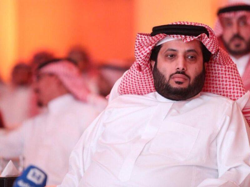 تركي آل الشيخ يقدم عرضاً للفنان عبد الرحمن أبو زهرة في فيلمه الجديد