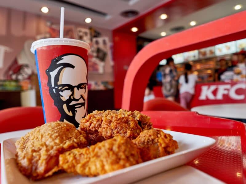 منيو كنتاكي وأبرز عروض KFC في اليوم الوطني 90 في السعودية